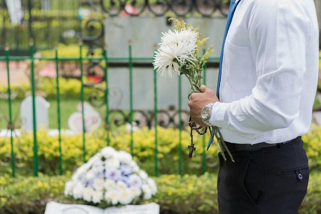 家族葬の費用相場はいくら?一般葬との比較や気になる疑問についてのサムネイル画像