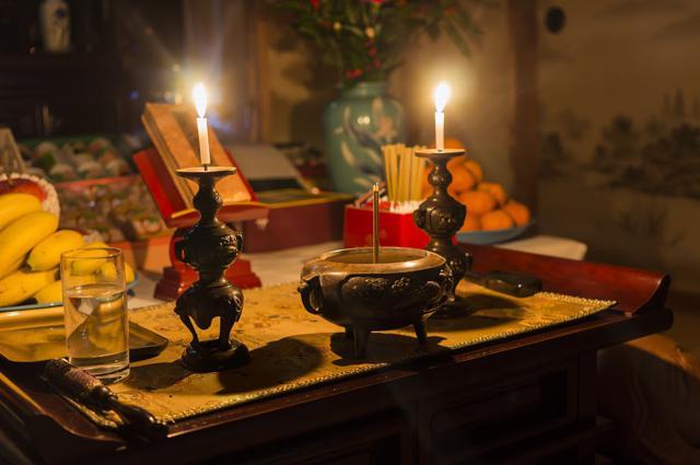 仏壇に供える樒(しきみ)とは? | 由来・特徴・用途などをご紹介のサムネイル画像