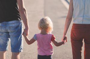 家族の負担を減らすのがエンディングノートのサムネイル画像