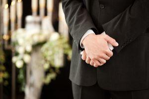 葬式に着用するワイシャツのボタンのサムネイル画像